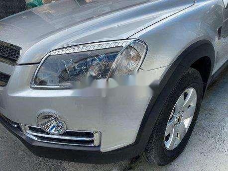 Bán xe Chevrolet Captiva sản xuất năm 2011, màu bạc, giá 270tr3