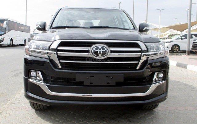 Toyota Land Cruise Long Executive 4.5 máy dầu 2021, bản full có nâng hạ gầm0