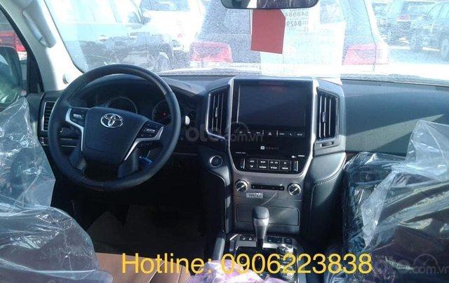 Toyota Land Cruise Long Executive 4.5 máy dầu 2021, bản full có nâng hạ gầm6