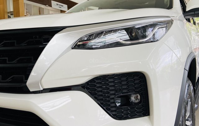 Toyota Fortuner 2021 - Phiên bản mới - Giá tốt - Hỗ trợ trả góp - Xe đủ màu - Liên hệ ngay để nhận ưu đãi10