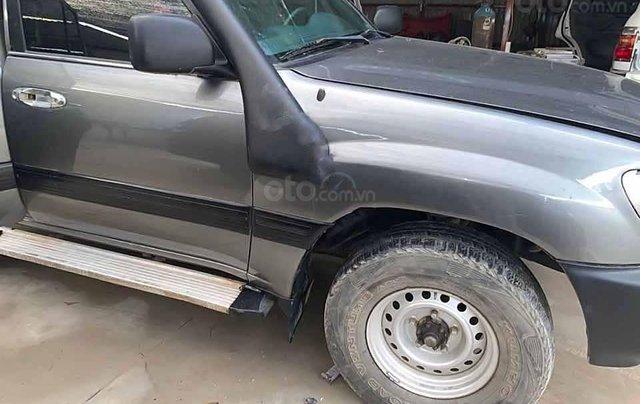 Bán ô tô Toyota Land Cruiser đời 2001, màu xám, nhập khẩu, giá tốt2