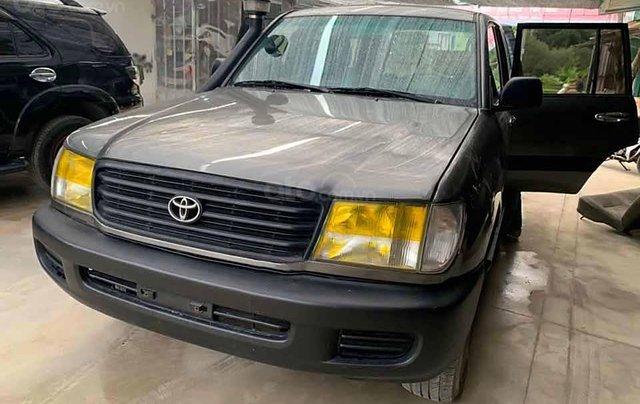 Bán ô tô Toyota Land Cruiser đời 2001, màu xám, nhập khẩu, giá tốt0