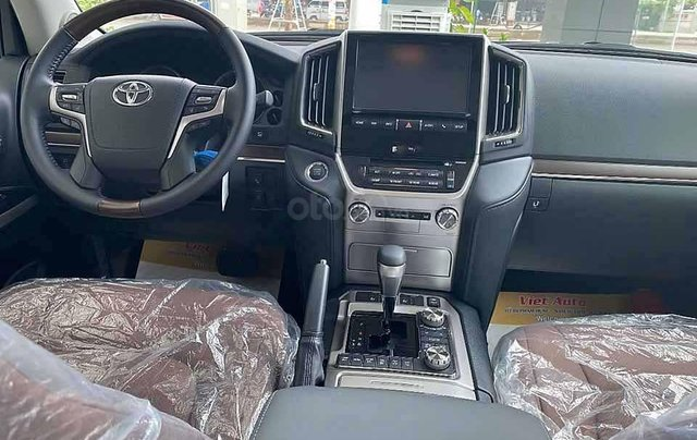 Bán Toyota Land Cruiser năm sản xuất 2020, màu đen, xe nhập5