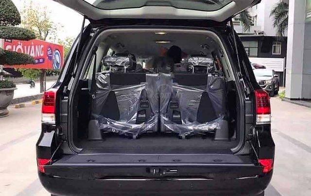 Bán xe Toyota Land Cruiser đời 2020, màu đen, nhập khẩu nguyên chiếc4
