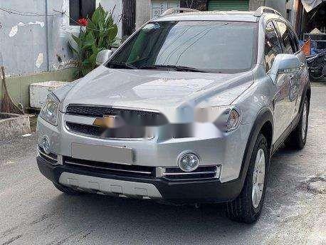 Bán xe Chevrolet Captiva sản xuất năm 2011, màu bạc, giá 270tr0