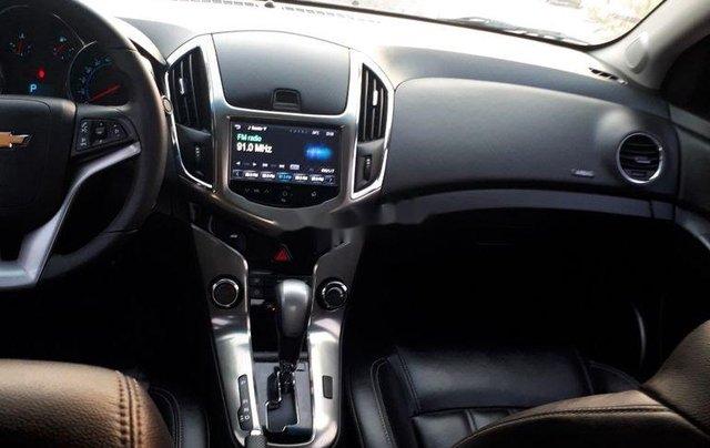 Cần bán Chevrolet Cruze năm sản xuất 2017, màu đen6