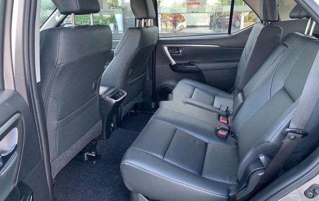 Cần bán Toyota Fortuner 2020, màu xám8