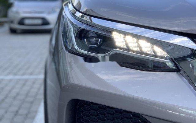 Cần bán Toyota Fortuner 2020, màu xám6