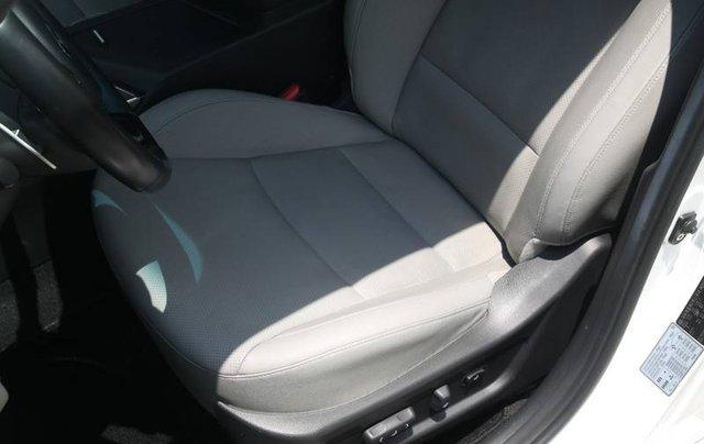 Bán xe Kia Optima năm sản xuất 2014, màu trắng, nhập khẩu Hàn Quốc xe gia đình7