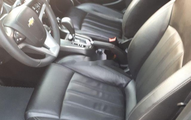 Cần bán Chevrolet Cruze năm sản xuất 2017, màu đen4