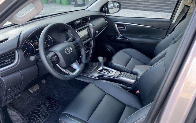 Cần bán Toyota Fortuner 2020, màu xám7