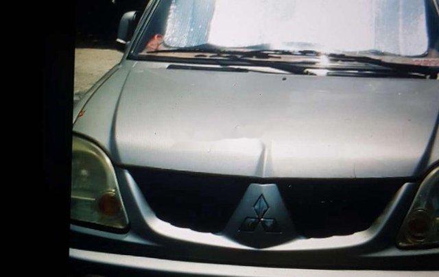 Gia đình bán Mitsubishi Jolie sản xuất 2005, màu bạc0