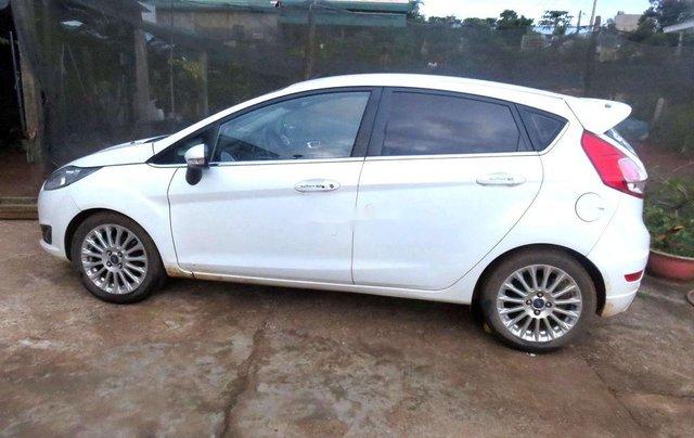 Cần bán lại xe Ford Fiesta sản xuất 2014 còn mới, giá 367tr1