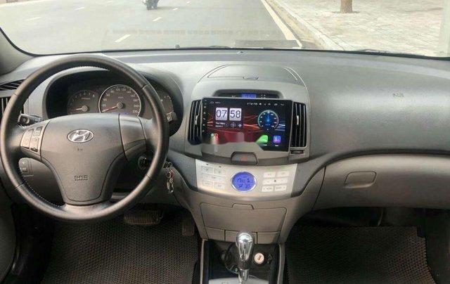 Bán Hyundai Avante sản xuất 2011, màu xám, 320tr6