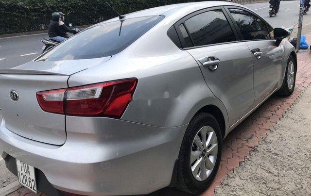 Bán ô tô Kia Rio sản xuất 2017, màu bạc, xe nhập, đẹp xuất sắc9