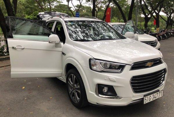 Bán xe Chevrolet Captiva 2017, màu trắng, số tự động, 428 triệu4