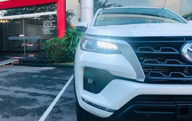 Bán ô tô Toyota Fortuner đời 2020, màu trắng12