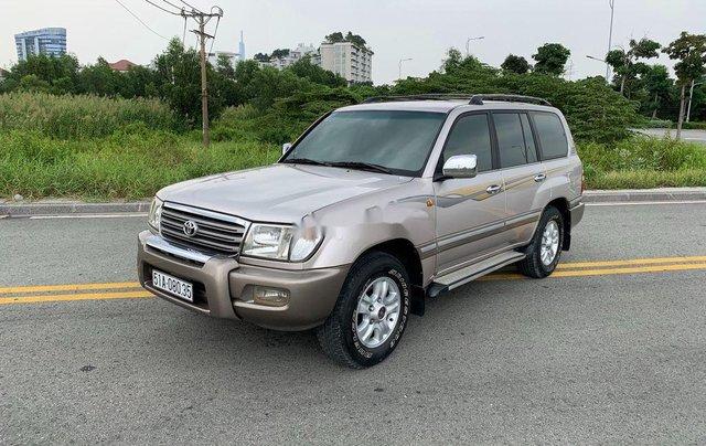 Cần bán lại xe Toyota Land Cruiser 2004, màu bạc2