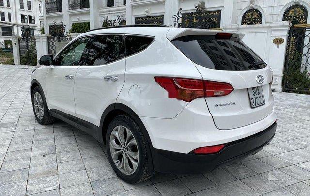 Cần bán lại xe Hyundai Santa Fe sản xuất 2014, màu trắng 2