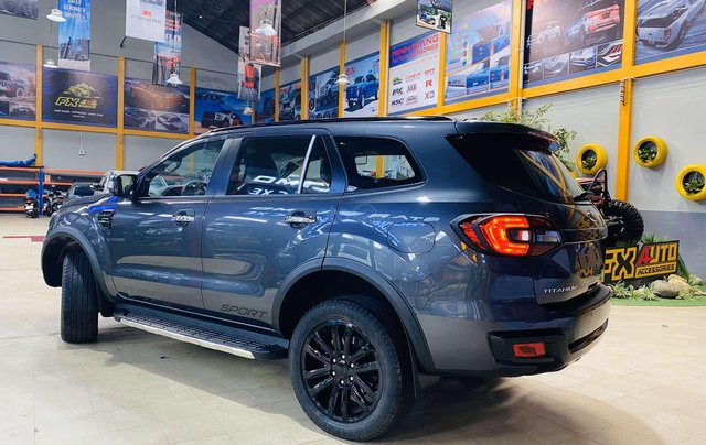 Ford Everest 4x4 Titanium 2020 - giảm giá tiền mặt 100 triệu2