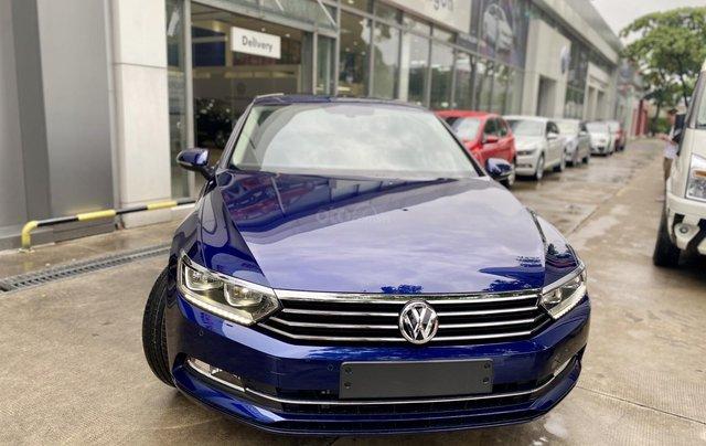 Ưu đãi lớn cho Passat Bluemotion màu xanh - vay ngân hàng 80% - nhập 100% Đức0