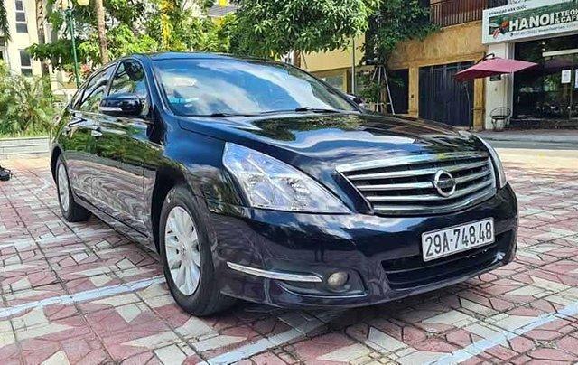 Cần bán lại xe Nissan Teana đời 2010, màu đen số tự động0