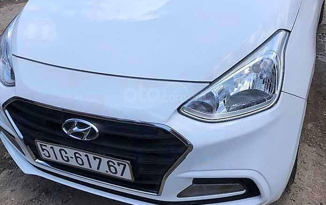 Cần bán gấp Hyundai Grand i10 1.2 MT sản xuất 2018, màu trắng còn mới 0