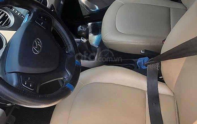 Cần bán gấp Hyundai Grand i10 1.2 MT sản xuất 2018, màu trắng còn mới 1
