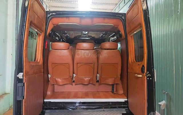 Bán Ford Transit Limousine đời 2016, màu đen 4