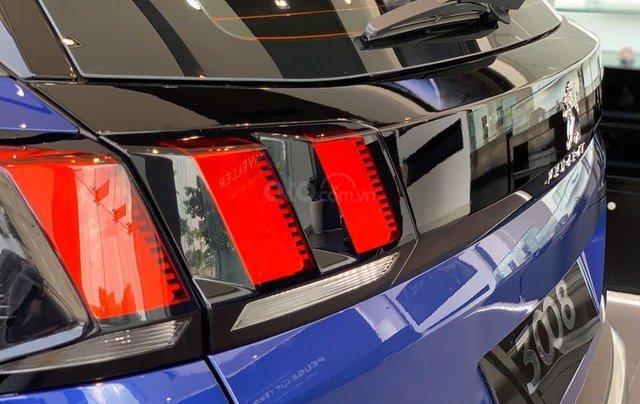 Giá xe Peugeot 3008 ưu đãi 130 triệu & 50% TTB – lái thử tại nhà, cùng nhiều quà tặng như thảm sàn và phim cách nhiệt8