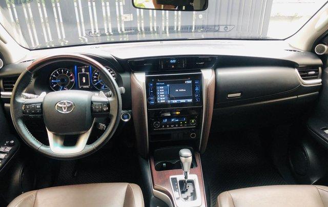 Bán Toyota Fortuner V 2x2 máy xăng 2018 nhập Indonesia đi 17.000km bao check hãng3