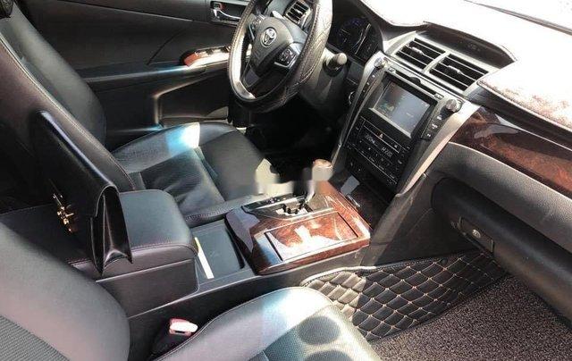 Bán Toyota Camry 2.5 Q năm sản xuất 2016, màu đen, biển HN5