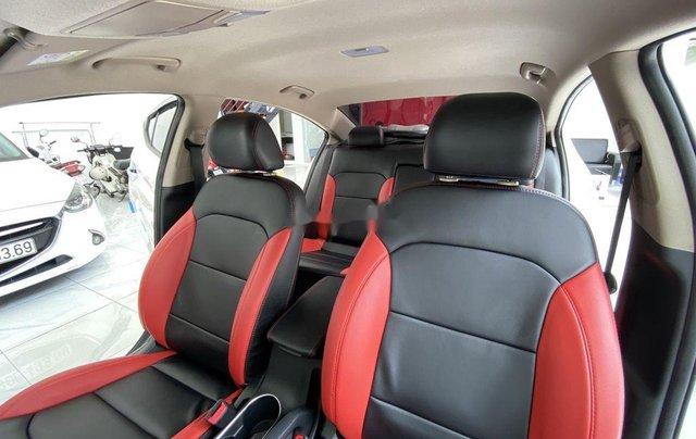 Bán Hyundai Elantra GLS 1.6MT sản xuất 2019, màu trắng, biển TP. HCM tên cá nhân10