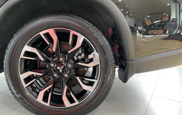 Bán xe Mitsubishi Outlander sản xuất năm 2020, màu đen, mới hoàn toàn1