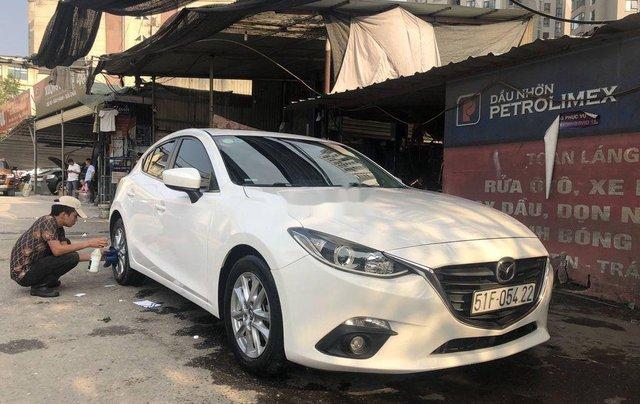 Cần bán xe Mazda 3 đời 2015, màu trắng, giá chỉ 485 triệu0