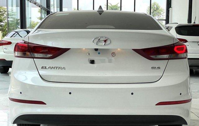 Bán Hyundai Elantra GLS 1.6MT sản xuất 2019, màu trắng, biển TP. HCM tên cá nhân1