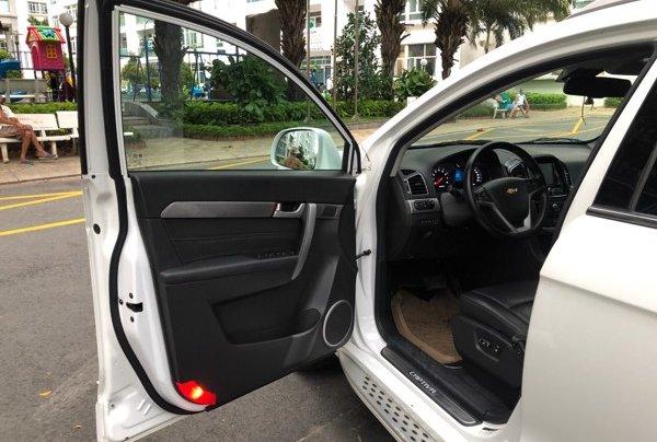 Bán xe Chevrolet Captiva 2017, màu trắng, số tự động, 428 triệu9