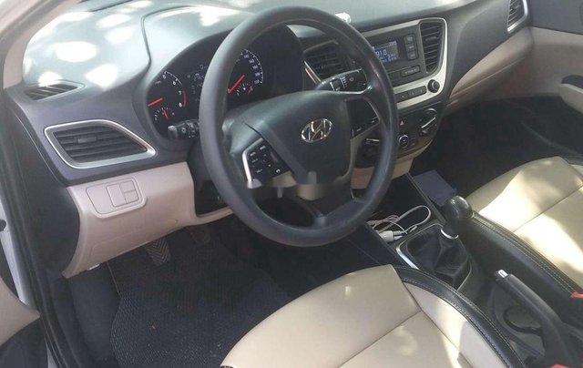 Cần bán lại chiếc Hyundai Accent MT đời 2018, xe giá thấp, chính chủ sử dụng5