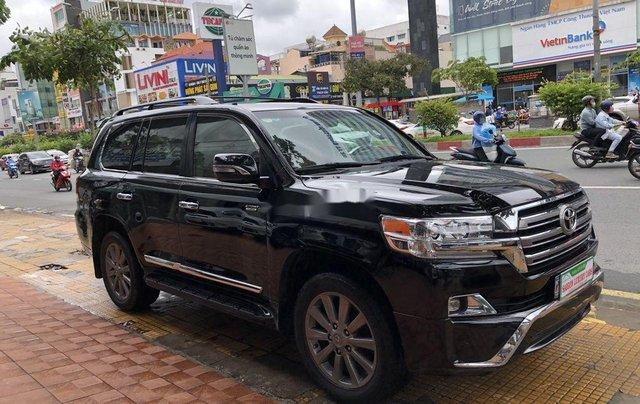 Bán Toyota Land Cruiser đời 2018, màu đen, siêu hiếm, cực chất11