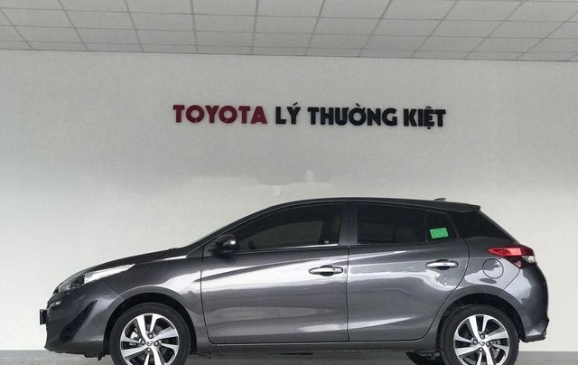 Bán Toyota Yaris đời 2018, màu xám còn mới giá cạnh tranh2
