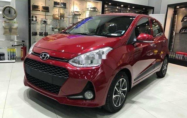 Bán Hyundai Grand i10 sản xuất năm 2020, màu đỏ, mới hoàn toàn0
