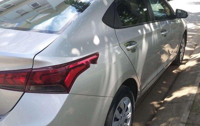 Cần bán lại chiếc Hyundai Accent MT đời 2018, xe giá thấp, chính chủ sử dụng3