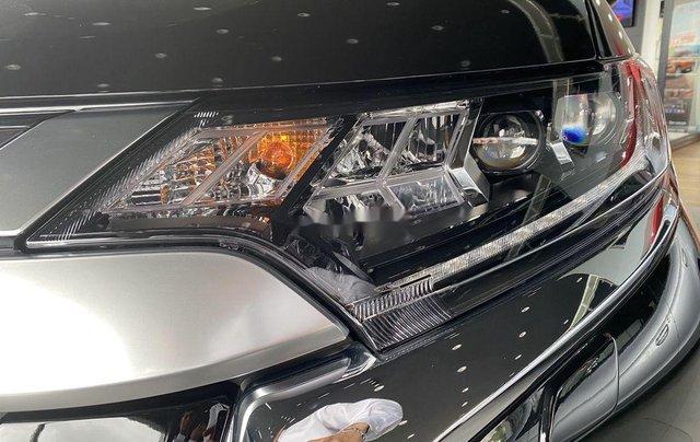 Bán xe Mitsubishi Outlander sản xuất năm 2020, màu đen, mới hoàn toàn3