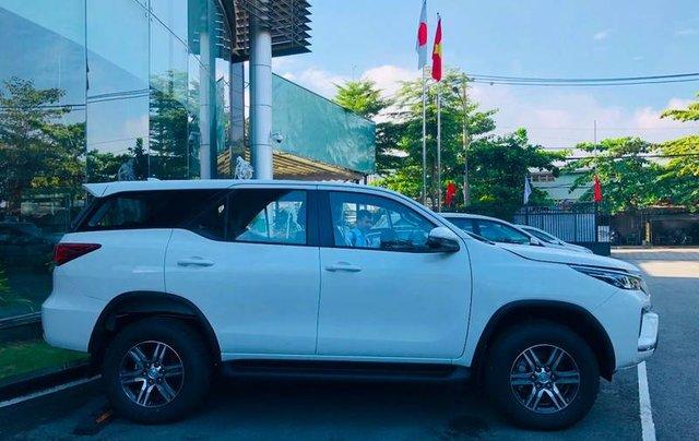 Bán ô tô Toyota Fortuner đời 2020, màu trắng9