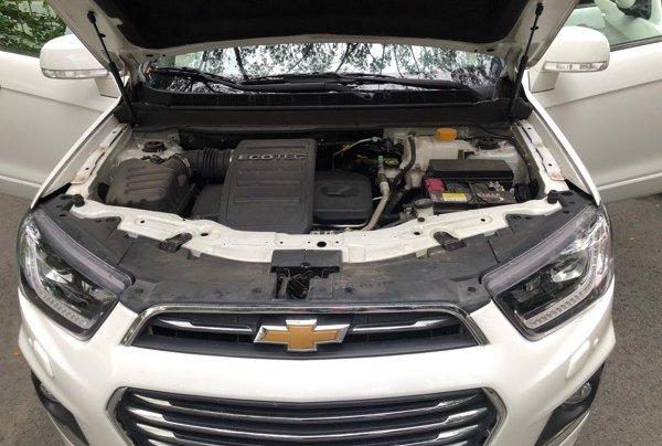 Bán xe Chevrolet Captiva 2017, màu trắng, số tự động, 428 triệu41