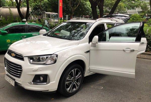 Bán xe Chevrolet Captiva 2017, màu trắng, số tự động, 428 triệu7