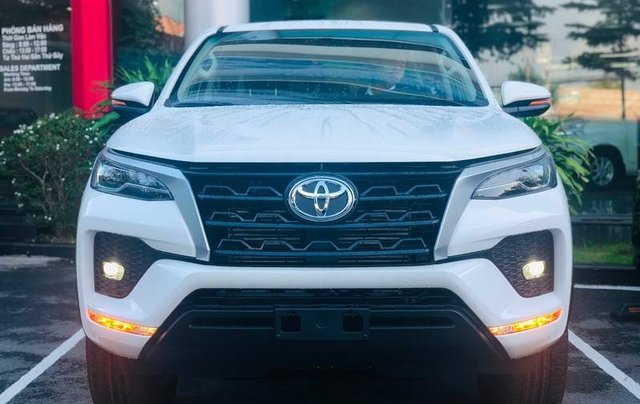 Bán ô tô Toyota Fortuner đời 2020, màu trắng2