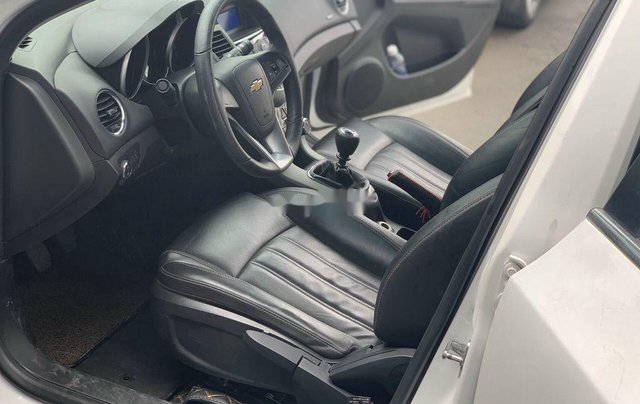 Xe Chevrolet Cruze sản xuất 2017 còn mới4