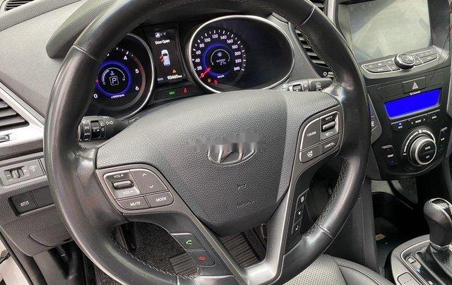 Cần bán lại xe Hyundai Santa Fe sản xuất 2014, màu trắng 5