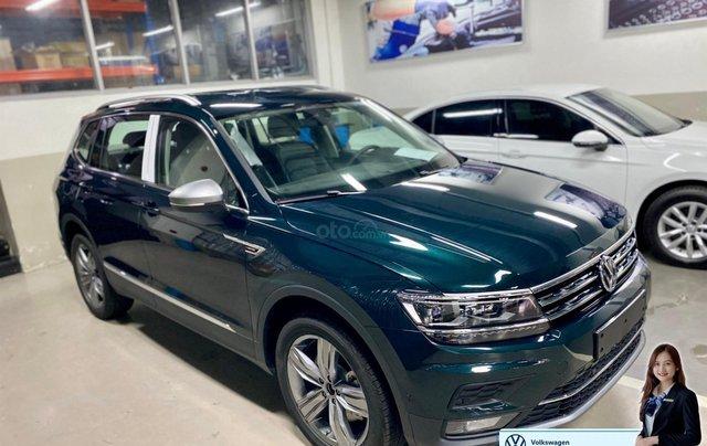 Xe Tiguan Luxury xanh rêu - khuyến mãi giá tốt - SUV 7 chỗ nhập khẩu0
